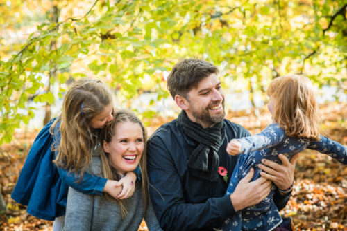 Family cuddles for Autumn photos in Sheffield