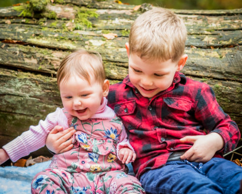 Brother and sister cuddles - Autumn portraits