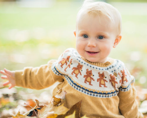 Baby Pearl smiling - Autumn portraits in Lake District