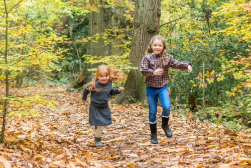 Chasing sisters, Autumn portraits Woods