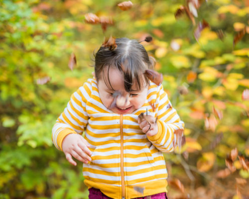 leaf throwing, family photos Keswick