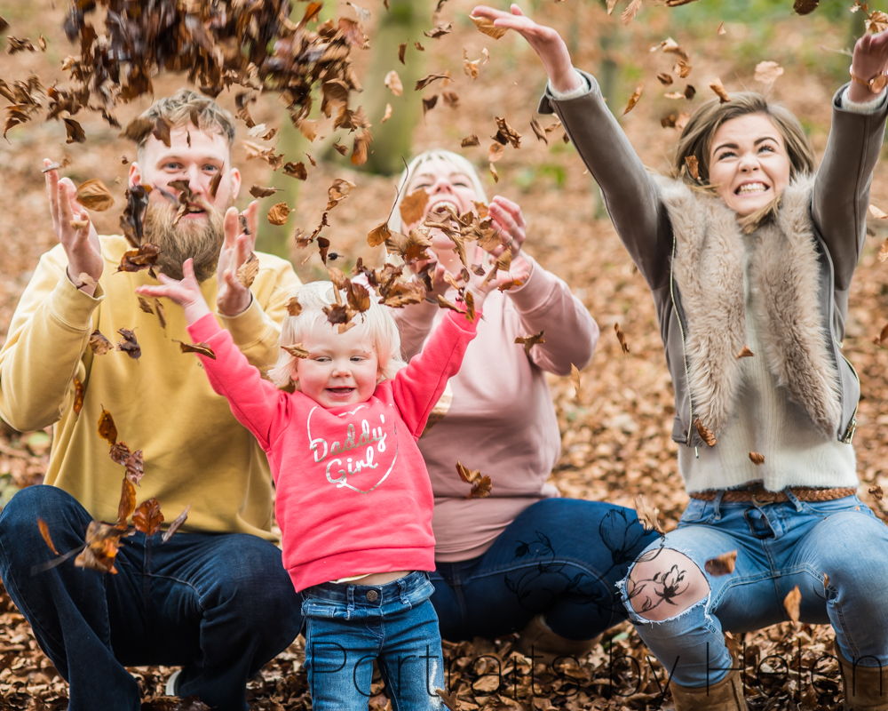 Leaf throwing as family, Talkin Tarn photographers