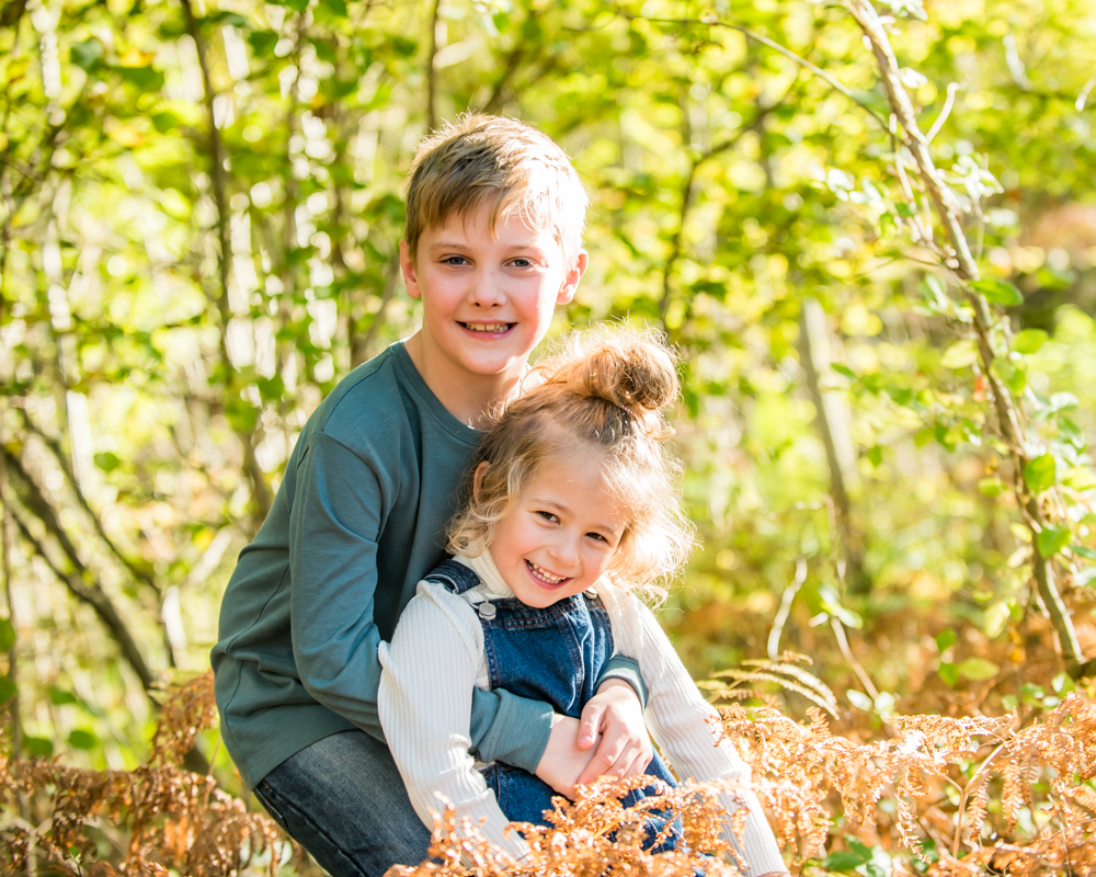 Sunshine cuddles, Lake District family photographers